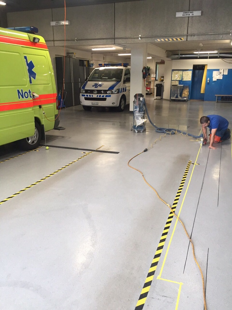 Spital Einfahrthalle fugenlos beschichtet |WB-Tech